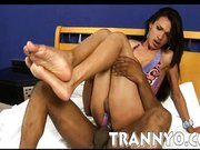 imagen Tranny analed and jizzed on small tits