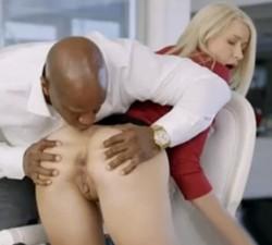 imagen Hombre de negocios se folla a su secretaria