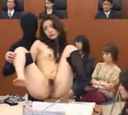 imagen Juicio en directo de una asiática ninfomana