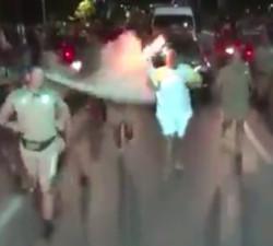 imagen Intentan apagar la antorcha olimpica en Brasil