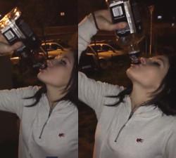 imagen Pierde una apuesta y se bebe 1 botella de whisky entera