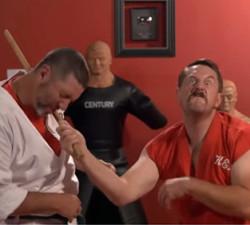 imagen Maestro de artes marciales golpea 100 veces en 1 segundo