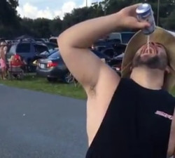 imagen Un bebedor de cerveza nivel Dios