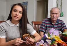 viejo con jovencita
