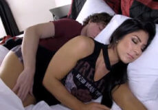 hermana dormida follada