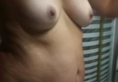 chicas duchandose