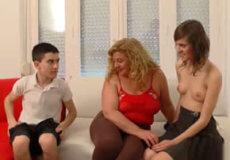 madura trio jovencitos