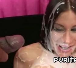 imagen explosion de leche en la cara