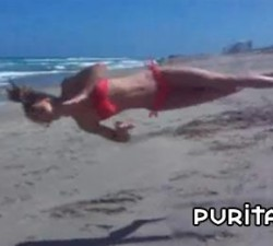imagen triple mortal en la playa