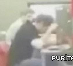 imagen putada en la biblioteca