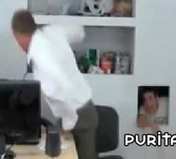 imagen broma entre jefe y empleados