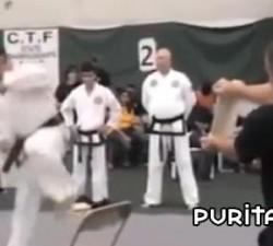 imagen unos karatekas chorras
