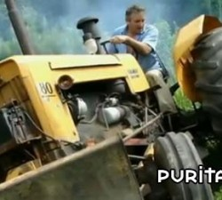 imagen remix de tractores accidentados