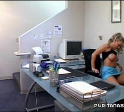 la secretaria me la chupa