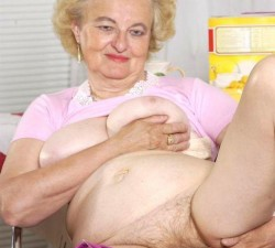 viejas desnudas
