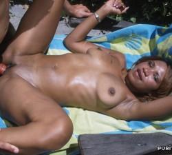 chica negra follada a pleno sol