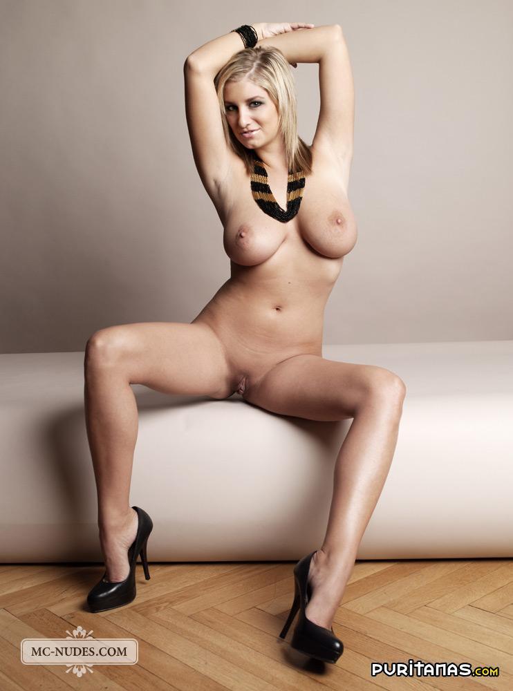 Naked tetas