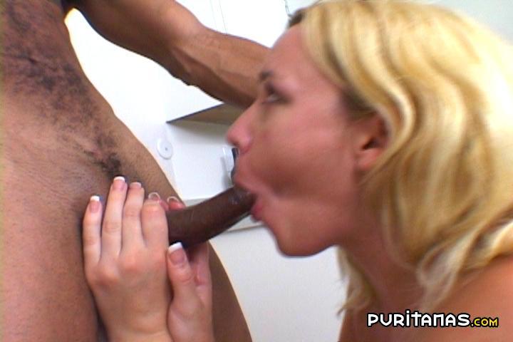 mamada a un negro despues de comerle el culo