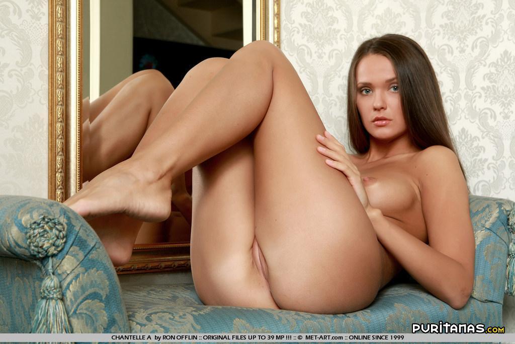 Chicas posando desnudas