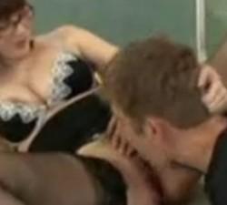 imagen la profe seduce a su alumno