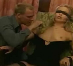 imagen seduciendo a su mujer