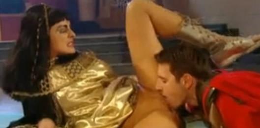 cleopatra xxx lesbianas follandose