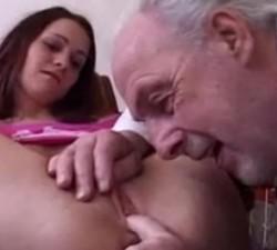 imagen un abuelo con mucha suerte