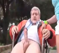 imagen sobrina se folla a su tio paralitico