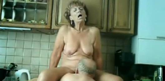 se corre en su boca videos porno castellano