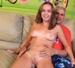 imagen follada inmoral con el hermano de su madre