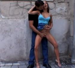 imagen ¿a quien no le ha entrado un calenton en la calle?