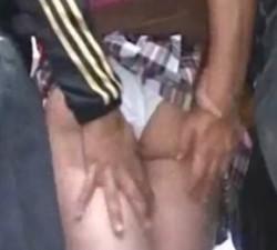 imagen si vas en tren mejor no te pongas falda